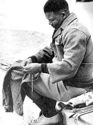 Ο Νέλσον Μαντέλα νέος, μέλος του ΑΕΚ
