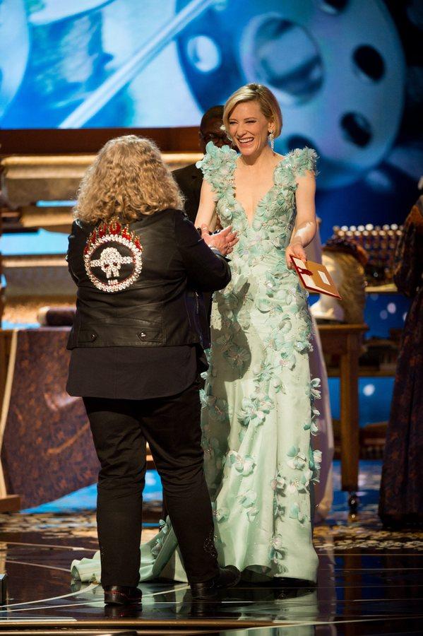 Η Jenny Beaven και η Cate Blanchett στη 88η τελετή των Oscar